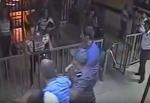 Համասեռամոլները ներխուժել են ոստիկանական բաժանմունք ու հարձակվել ոստիկանների վրա (տեսանյութ)