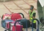 Իբիցայի օդանավակայանի աշխատակիցը բռնվել է գողության պահին