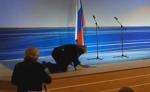 Ժիրինովսկին բեմի վրա ընկել է