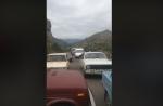 Գորիսում ճանապարհ են փակել՝ բողոքելով Հունան Պողոսյանի նշանակման դեմ (տեսանյութ)