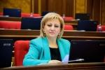 ԱԺ պատգամավոր Ռուզաննա Մուրադյանը մանդատից հրաժարվելու դիմում է ներկայացրել