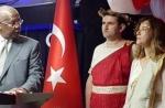 Թուրքիայի դեսպանի նկատմամբ հետաքննություն է սկսվել՝ հունական աստվածուհու համազգեստ կրելու համար