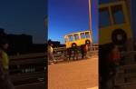 Վլադիվոստոկում երիտասարդները ավտոբուս են ձևացել, որպեսզի անցնեն կամուրջը