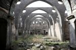 Որպես պահեստ, ախոռ և բրնձի գործարան օգտագործված հայկական եկեղեցին ավերման եզրին է (ֆոտոշարք)