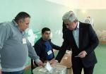 Սերժ Սարգսյանն էլ է քվեարկել (տեսանյութ)