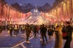 «Դեղին բաճկոնները» գիլյոտին են տեղադրել Փարիզում Մակրոնի կուսակցության անունով (տեսանյութ, լուսանկար)