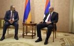 Բակո Սահակյանը Երևանում հանդիպել է Նիկոլ Փաշինյանի հետ