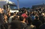 Մանվել Գրիգորյանի դեմ բողոքողները փակել են օդանավակայանի ճանապարհը