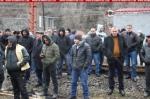 Ալավերդու պղնձաձուլարանի աշխատողներն այսօր դարձյալ փակել են Երևան-Թբիլիսի երկաթգիծը