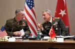 Министр обороны Турции отправится в США для переговоров