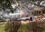 В США легкомоторный самолёт упал на жилой дом