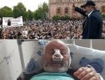 «Թավշյա հեղափոխության» արյունոտ դեմքը (տեսանյութ)