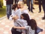 Օրվա կադր․ Ռոբերտ Քոչարյանին դիմավորել են նրա թոռնիկները