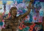 Դատարանների ելքն ու մուտքը փակելը քրեական պատասխանատվություն է նախատեսում. իրավագետ