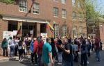 Оппозиция Венесуэлы взяла под контроль посольство в США