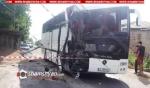 Գառնի գյուղի ճանապարհին բախվել են կորեացի զբոսաշրջիկներով Mercedes ավտոբուսը և ավազով բարձած ԶԻԼ-ը