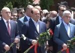 Серж Саргсян посетил Пантеон (видео)
